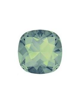 Cabochon carré 10mm pacific opal foiled