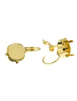 Dormeuses avec sertissure carrée 10mm la paire doré